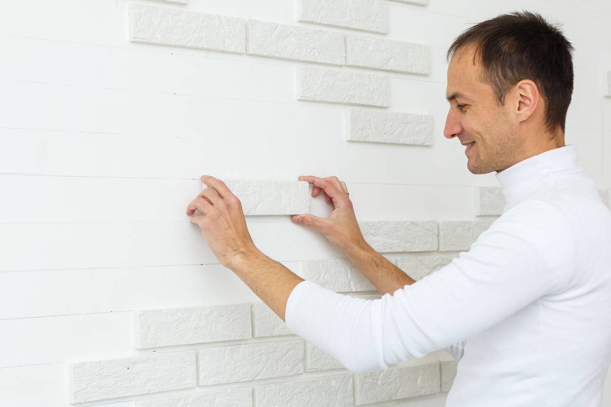 Pose de carrelage mural DIY